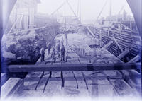 Blackwells Island Bridge, Men Working