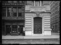 Entrance to the Importers & Traders National Bank, 247 Broadway, New York City, 1913.