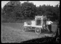 Popcorn vendor's automobile, Marblehead, Massachusetts, August 1908.