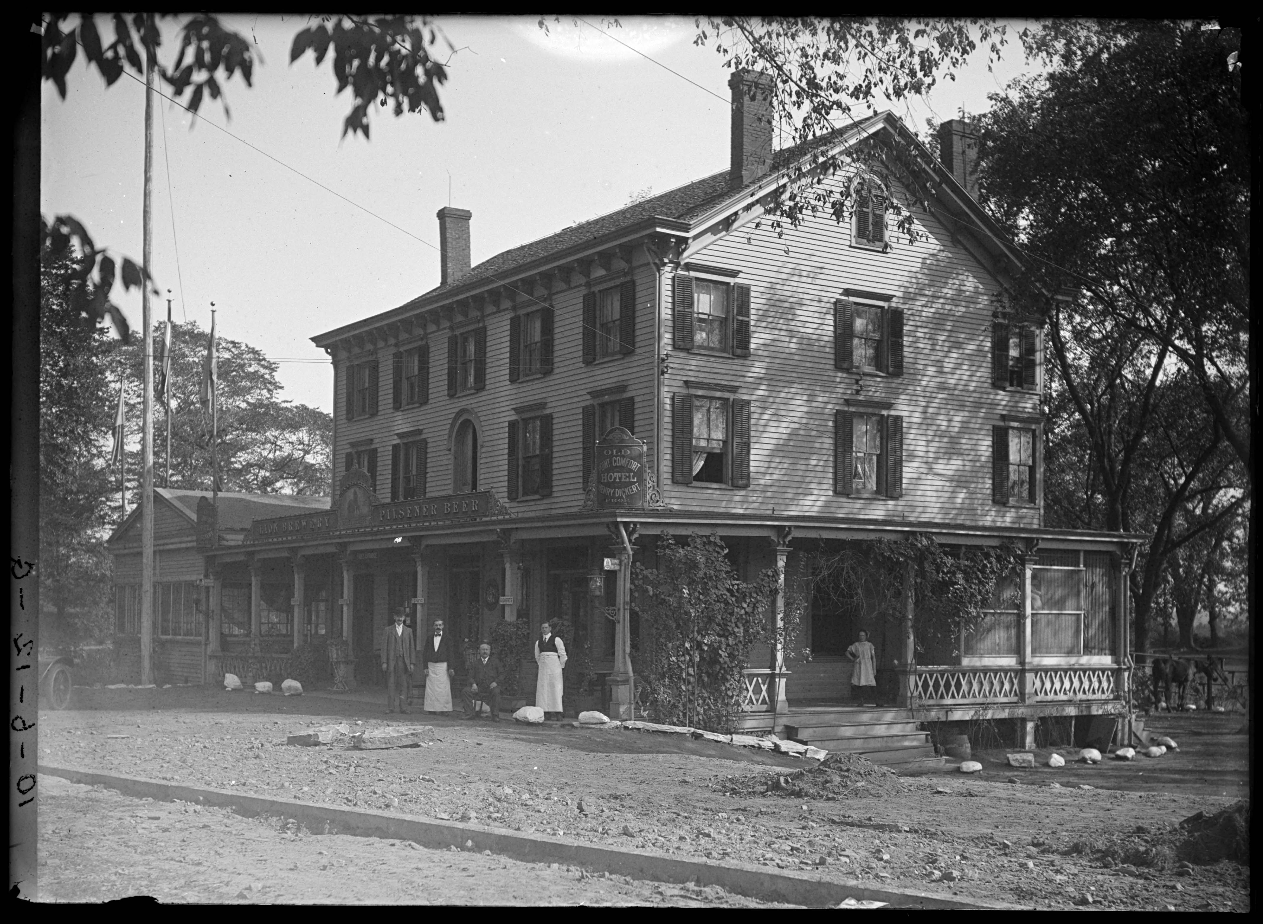 Henry Dickerts Old Point Comfort Hotel 4018 Boston Road Eastchester Bronx New York Undated Ca 1890 1919