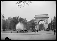 The permanent Washington Arch, Fifth Avenue and Washington Square, before additional bas-reliefs were added, New York City, 1899.