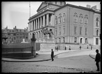Massachusetts State House, Boston, Massachusetts, 1899.