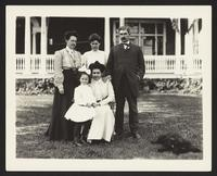 Alfred Peats and family, undated [circa 1900-1910].