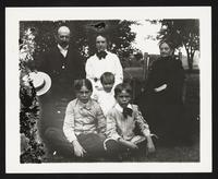 Unidentified family, undated [circa 1900-1910].
