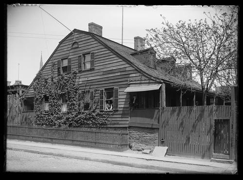 Unidentified Dutch Colonial House On East 65th Street New York City