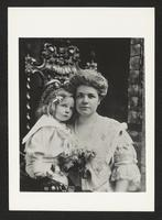 Unidentified mother and child, undated [circa 1900-1910].