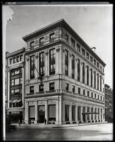 Black, Starr & Frost Building, 5th Avenue and 48th Street, New York City, 1914.