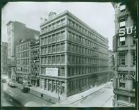 West side of Broadway from Franklin Street to Leonard Street, New York City, 1919. (Roege 9323)