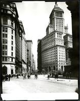 Broadway and Bowling Green, New York City, 1921. (Roege 9317)