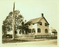 Jamaica: Decker House, east side of Farmers Avenue opposite the Methodist Episcopal Church of Springfield, 1922.