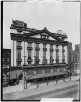 Manhattan: Manhattan Opera House, 1909.