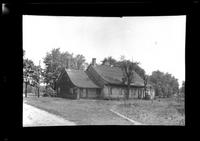 Manhasset / Roslyn / Little Neck / Douglaston / Alley Road, Long Island: [unidentified dilapidated old Dutch-style house, undated.]