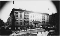 Manhattan: Astor House, between Vesey Street and Barclay Street, undated (ca. 1905). Viewed from the southeast.