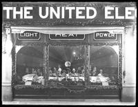 Detail view of the United Electric Light & Power Company window display at W. 138th Street and Hamilton Place, New York City, December 17, 1914.