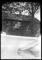 Amagansett / Wainscott, Long Island: [closer angle on unidentified wood-shake house, undated.]