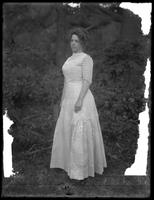 Full-length, 3/4 angle portrait of a Mrs. Lee, August 20, 1911.