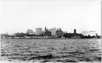 Manhattan: Lower Manhattan skyline and the Hudson River, from New Jersey, undated (ca. 1905). View from the Battery north.
