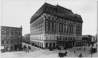 Manhattan: Astor Hotel, west side of Broadway between 44th Street and 45th Street, undated (ca. 1905).
