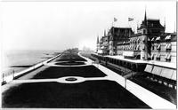 Brooklyn: the Oriental Hotel and boardwalk, Manhattan Beach, undated (ca. 1905). High-angle view from the southeast, with the Manhattan Beach Hotel visible in the distance.