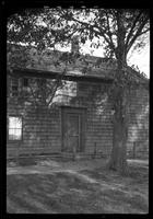 Amagansett / Wainscott, Long Island: [close angle on the front of an unidentified wood-shake house, undated.]