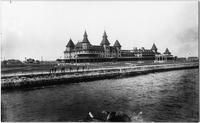 Brooklyn: Manhattan Beach Hotel and waterfront, breakwater visible, undated.