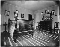 Bayshore, New York: bedroom, Sagtikos Manor House, undated.