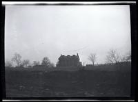Long Island City: [John Alsop House, on high ground south of Old Bowery Road, north of Wolcott Avenue and east of DeBevoise Avenue (later 2nd Avenue), 1923.]