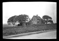 Amagansett / Wainscott, Long Island: [unidentified farm beside dirt road, undated.]