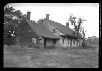 Manhasset / Roslyn / Little Neck / Douglaston / Alley Road, Long Island: [unidentified dilapidated old Dutch farmhouse, undated.]