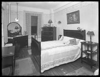 Front bedroom of a model apartment, New York City, May 6, 1915. Photographed for the United Electric Light & Power Company.