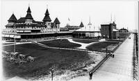 Brooklyn: Manhattan Beach Hotel, band shell and boardwalk viewed from the west, undated (ca. 1905).