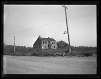 Newtown: [unidentified abandoned saltbox house, undated.]