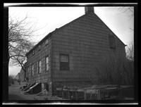 Newtown: [side view unidentified old wood-shake house, undated.]