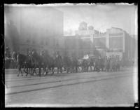 Military procession accompanying the body of 'Captain John [...?]', the last American casualty brought back from France, Brooklyn (?), ca. 1922. Flag-draped casket visible.
