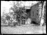 Rear view of an abandoned house, Savannah, Georgia, undated (ca. 1920).