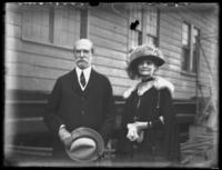 Unidentified elderly man and woman, Atlantic City, N.J. (?), undated (ca. 1920-1925).