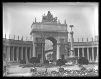 Arch of the Setting Sun, Nations of the West, Panama-Pacific International Exposition, San Francisco, California, September 15, 1915.