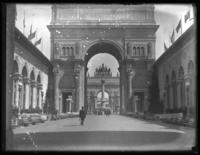 Arches of Rising and Setting Sun from Venetian Court, Panama-Pacific International Exposition, San Francisco, California, September 15, 1915.