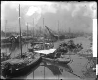 Boats in Manila [?] harbor, the Philippines [?], undated [1905].