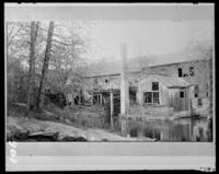 Old wooden mill building, Bronx Park, Bronx, N.Y., 1903.
