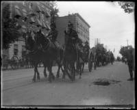 Mounted troops pulling cannon, Decoration Day, Bronx, N.Y., 1903 or 1909.
