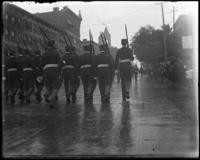Soldiers on parade, Decoration Day, Bronx, N.Y., 1903 or 1909.