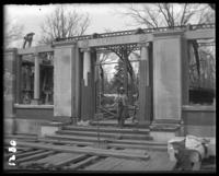 The Reptile House under construction, New York Zoological Gardens [the Bronx Zoo], Bronx, N.Y., 1899.