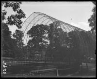 Aviary, New York Zoological Gardens [the Bronx Zoo], Bronx, N.Y., 1899.