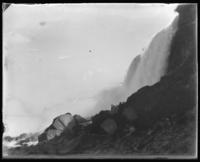 Falls and bridge, Niagara Falls, undated [c. 1899-1904].