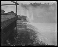 Bridge above Horseshoe Falls, near Profile Rock, Niagara Falls, undated [c. 1899-1904].