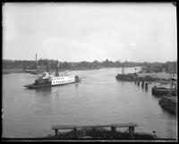 The New York, New Haven, and Hartford Rail Road ferry, Oak Point, Port Morris, Bronx, N.Y., undated [c. 1897-1905].