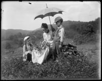 Daisy making wreaths with Willie and Grace, Garrison, N.Y., 1901.