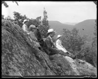 Bella, Grace, Willie, Georgie, and George E. Stonebridge sitting on the mountain top, north rock, Garrison, N.Y., 1902.