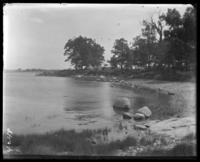Beach with campsites beyond, Orchard Beach, Bronx, N.Y., 1908.